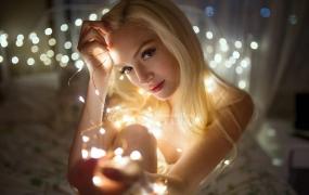 J051.摄影师艾琳·鲁德尼克(Irene Rudnyk)通过自然光线创作出创意肖像摄影教程